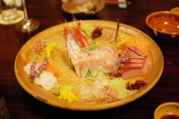 日本海の新鮮なお刺身。ピチピチ。